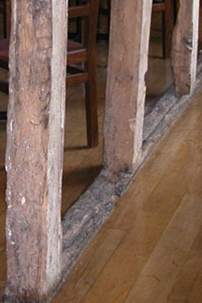 Walling of medieval inn in Henley